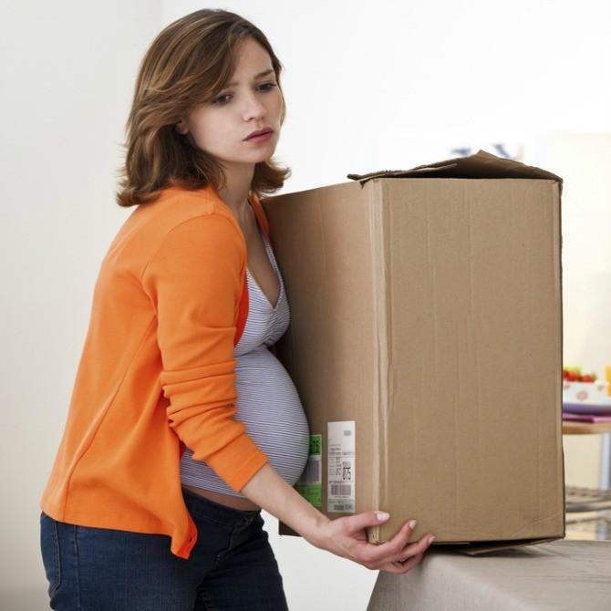 หลีกเลี่ยงการยกของหนัง ลดอาการปวดหลังของคนท้อง