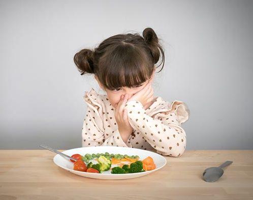 ลูกมีประสบการณ์ที่ไม่ดีกับอาหารนั้นๆ จึงทำให้ ลูกไม่ยอมกินข้าว
