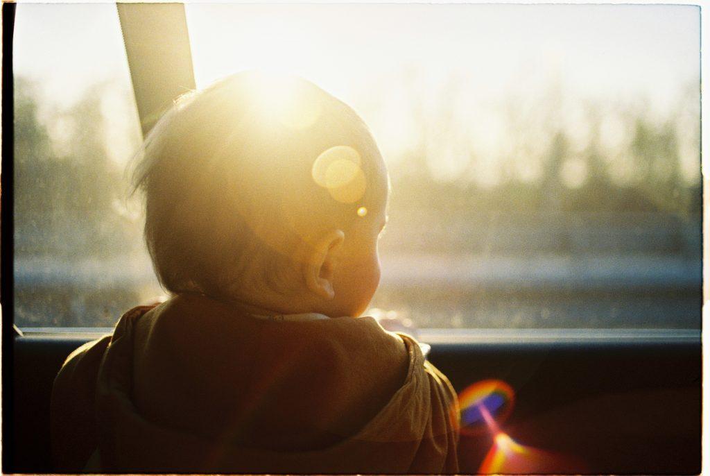 แนะนำ แนวทางปฏิบัติ ป้องกันการลืมเด็กไว้ในรถ