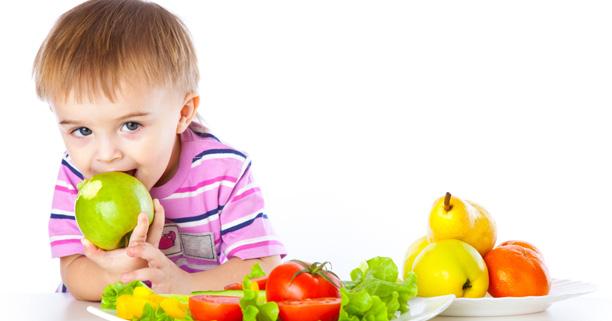 3 เทคนิคช่วยให้ลูกทานผลไม้ เพื่อสุขภาพที่ดีของลูก บอกเลยว่าน่าสนใจมาก ๆ