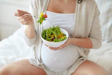 3 อาหารที่คุณแม่ตั้งครรภ์ควรทาน เพื่อให้ลูกน้อยที่คลอดมา มีผมที่ดกดำ