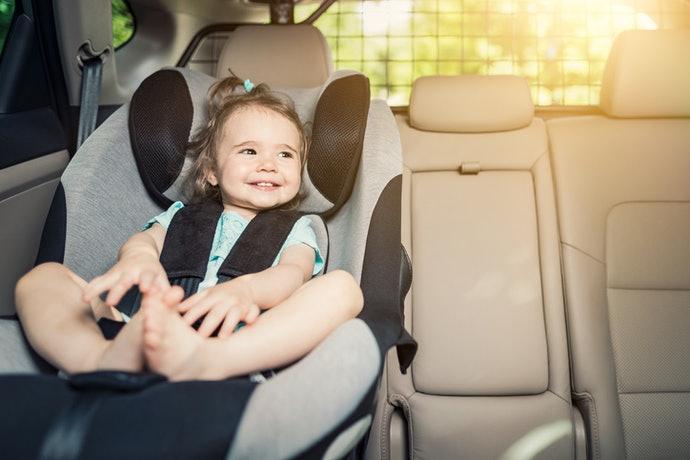 แนะนำ ประโยชน์ของคาร์ซีท อุปกรณ์เสริมเพิ่มความปลอดภัย ภายในรถยนต์สำหรับเด็ก ที่ควรมี