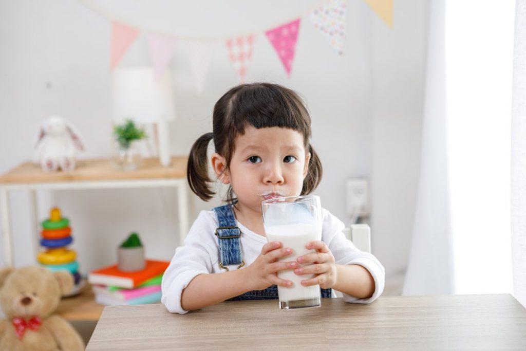 วิธีให้ลูกเลิกขวดนม ที่อาจจะยากลำบากหน่อย ค่อย ๆ เป็น ค่อย ๆ ไป