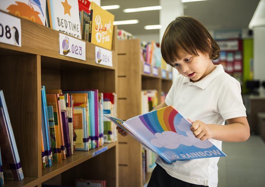 ส่งเสริมการอ่านให้ลูกน้อย ตั้งแต่ยังเล็ก มีข้อดีคือ ช่วยฝึกสมาธิให้เด็ก
