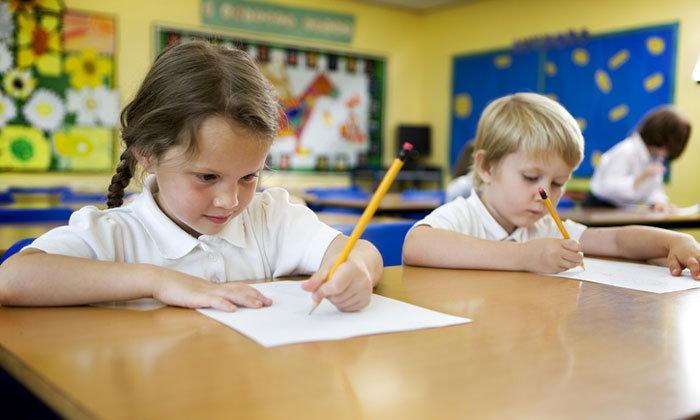 เด็กถนัดซ้าย การใช้ชีวิตประจำวันอาจจะ ไม่เหมือนคนถนัดขวา