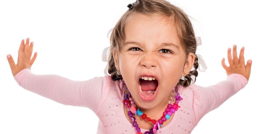 สิ่งที่ลูกไม่ควรทำกับพ่อแม่ อย่าให้ลูกเรียกร้องความสนใจกับคุณมากเกินไป