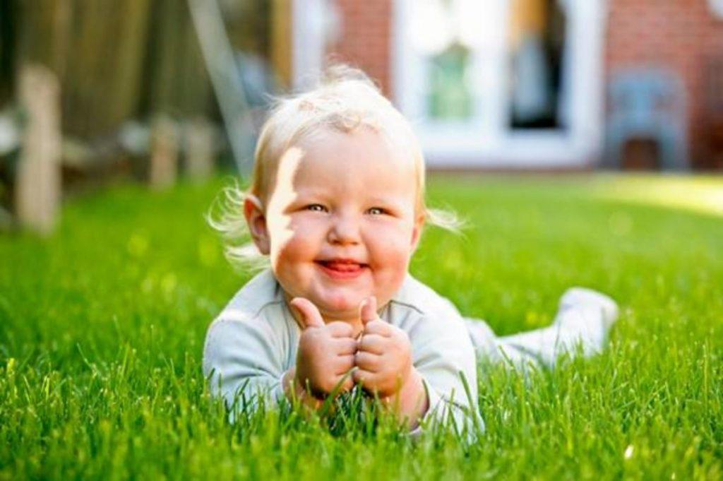 วิธีเลี้ยงลูกให้เป็นเด็กอารมณ์ดี ไม่ขีวีน