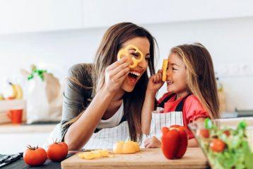 วิธีเลี้ยงลูกให้เป็นเด็กอารมณ์ดี พื้นฐานต้องมาจากพ่อแม่