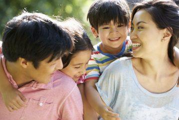 3 เคล็ดลับ การแก้ปัญหาพี่อิจฉาน้อง ปัญหาครอบครัวที่พ่อแม่หลาย ๆ บ้านกังวลใจ