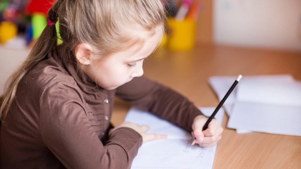 ช่วยลูกรัก เด็กถนัดซ้าย ให้จัดการกับชีวิตประจำวันได้ง่ายขึ้น